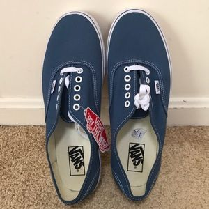 NWOB! Vans off the wall , men's size 11, shoes .